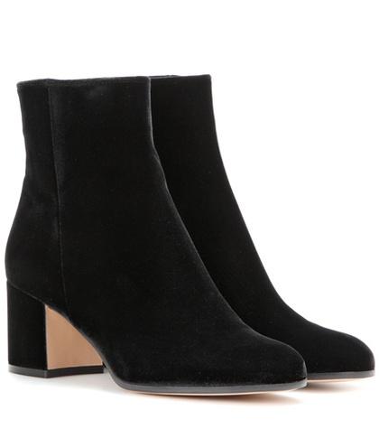 Gianvito Rossi - Margaux Velvet Ankle Boots - Black