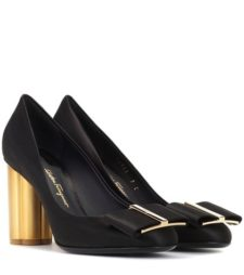 Salvatore Ferragamo - Satin Pumps - Black